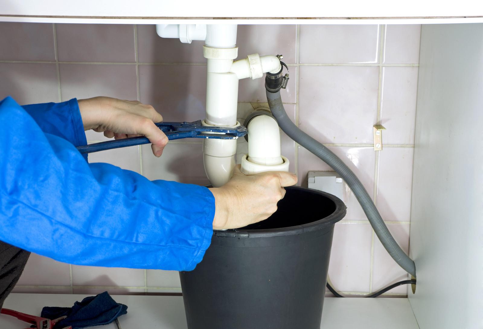 dakdekkersbedrijf  loodgieter  installateur en